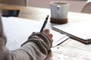 We show you how to choose a course online and study from home